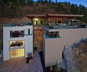 Sheerwater Residence in Kelowa // Canada