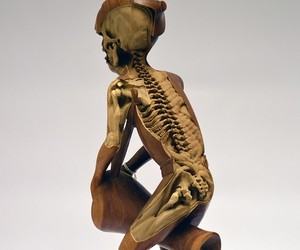 Skeletons carved in Souvenir Sculptures