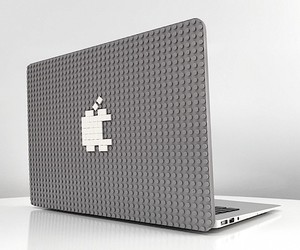 Brik Case - MacBook Cover with Lego surface