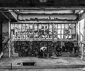 Crumbling buildings and naked models