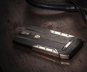 Luxury Smartphone 88 Tauri from Tonino Lamborghini