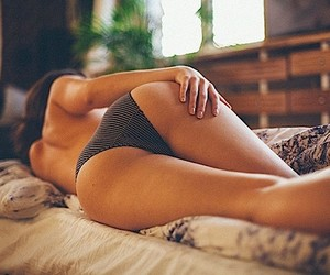 Erotic naturalness - Boudoir Photography by Kay Fo