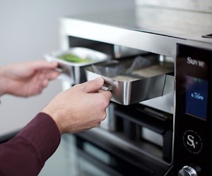 Is the cooking robot Suvie the smart Food delivery