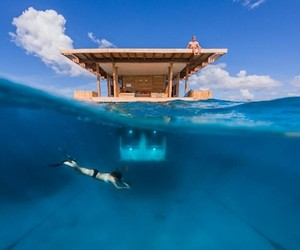 The Manta Resort: A Hotel Room Under Water