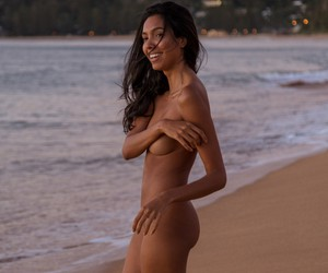 SunsetBeachin' with Brazilian Model Mariana Arruda