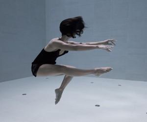 Breathtaking dance film - under water
