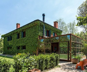 Zanon Architetti designed a country house